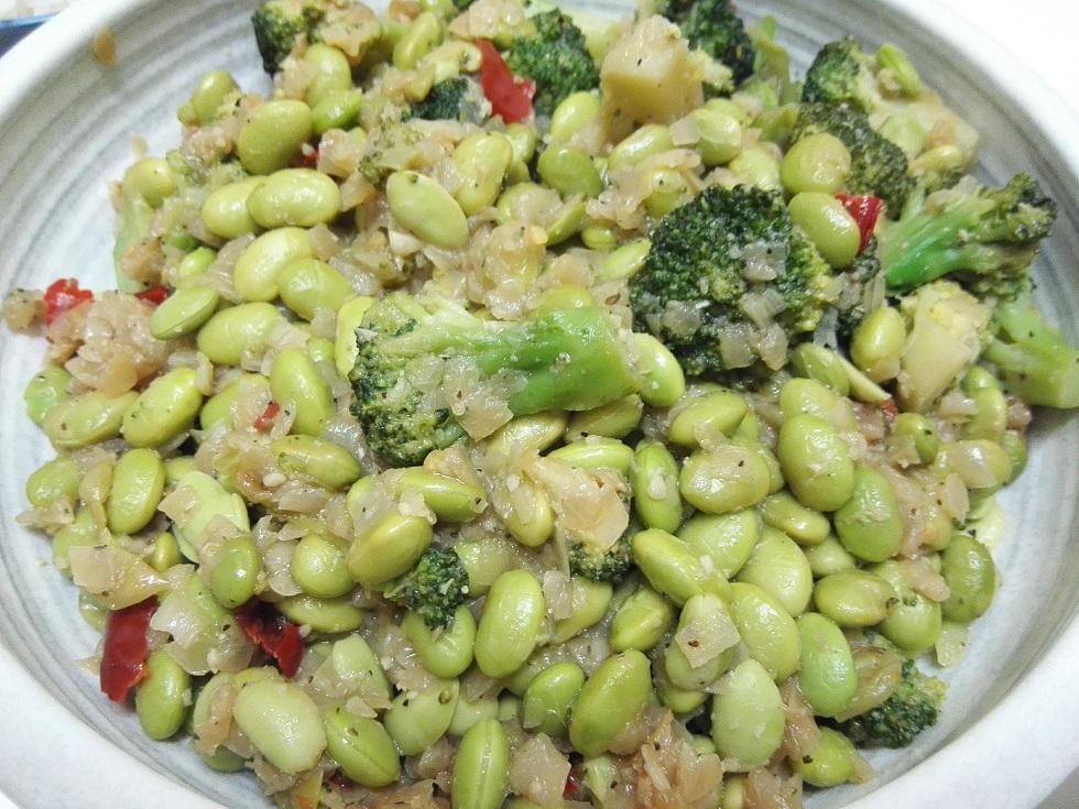枝豆とブロッコリーのペペロンチーノ