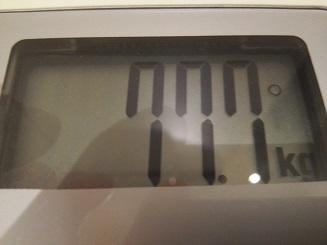 77.7kg