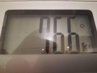 76.6kg