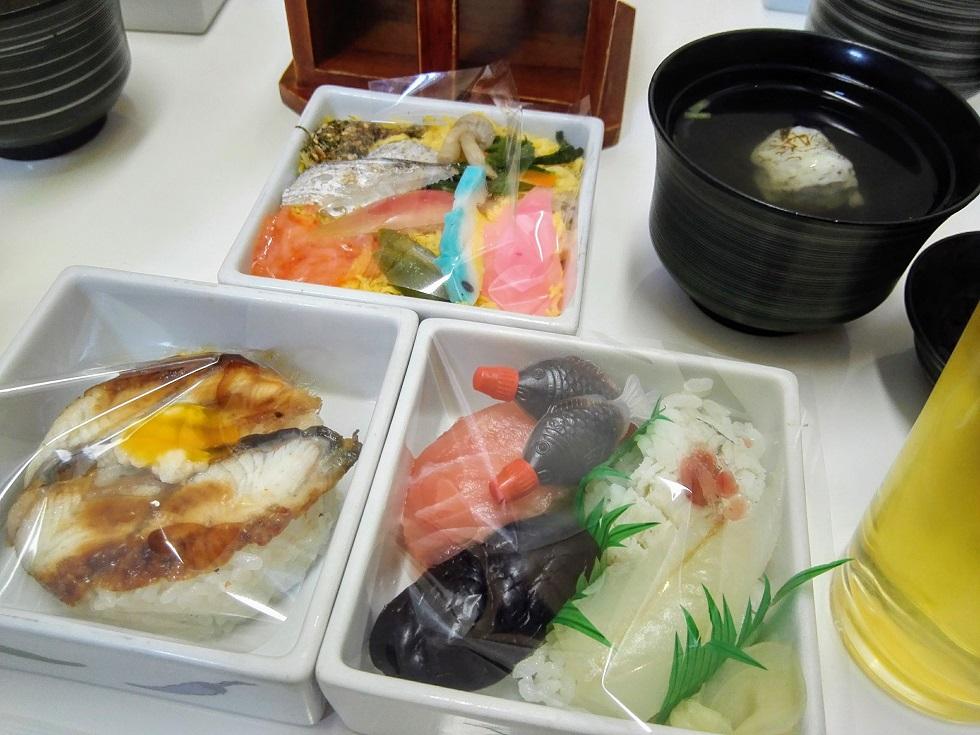 夏の三段寿司