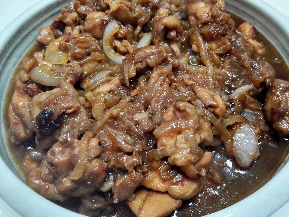 鶏モモ肉のタマネギ炒め