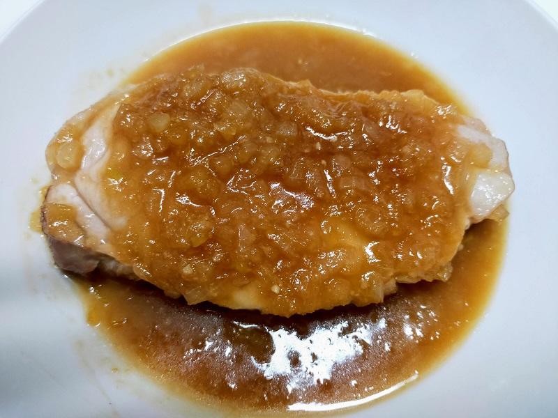 ポークステーキ(タマネギ醤油ソース)